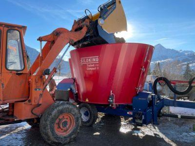 Futtermischwagen Siloking Compact 8m3 Und Mammut Siloschneidzange, Almens